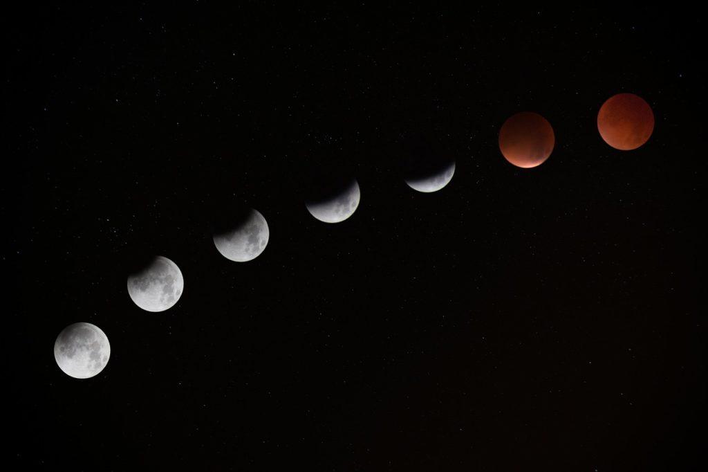 So sieht der Mond aus bei der Finsternis - Serienfoto